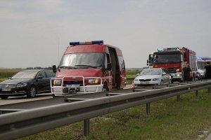 Wypadek na A4. Zderzy�y si� cztery samochody, sze�� os�b rannych