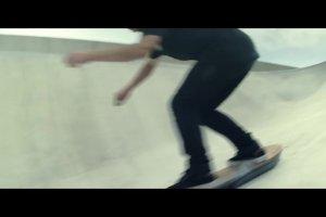 Deskorolka Lexusa lata w prawdziwym skateparku | Wideo