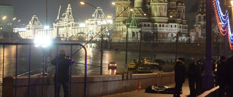 """Tak wygl�da�y ostatnie godziny �ycia Borysa Niemcowa. """"Byli w restauracji, ci�gle kto� dzwoni�"""""""
