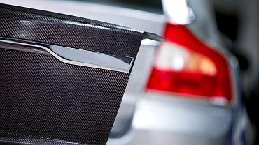 Volvo pracuje nad technologią karoserii z włókien węglowych służących jednocześnie za baterie