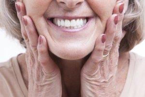 Jak dba� o protez� z�bow�?
