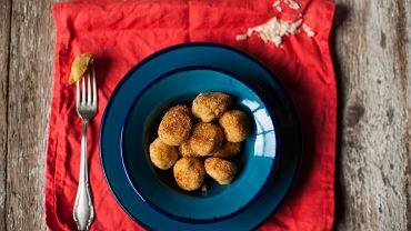 Ziemniaczane kuleczki z serem i szałwią