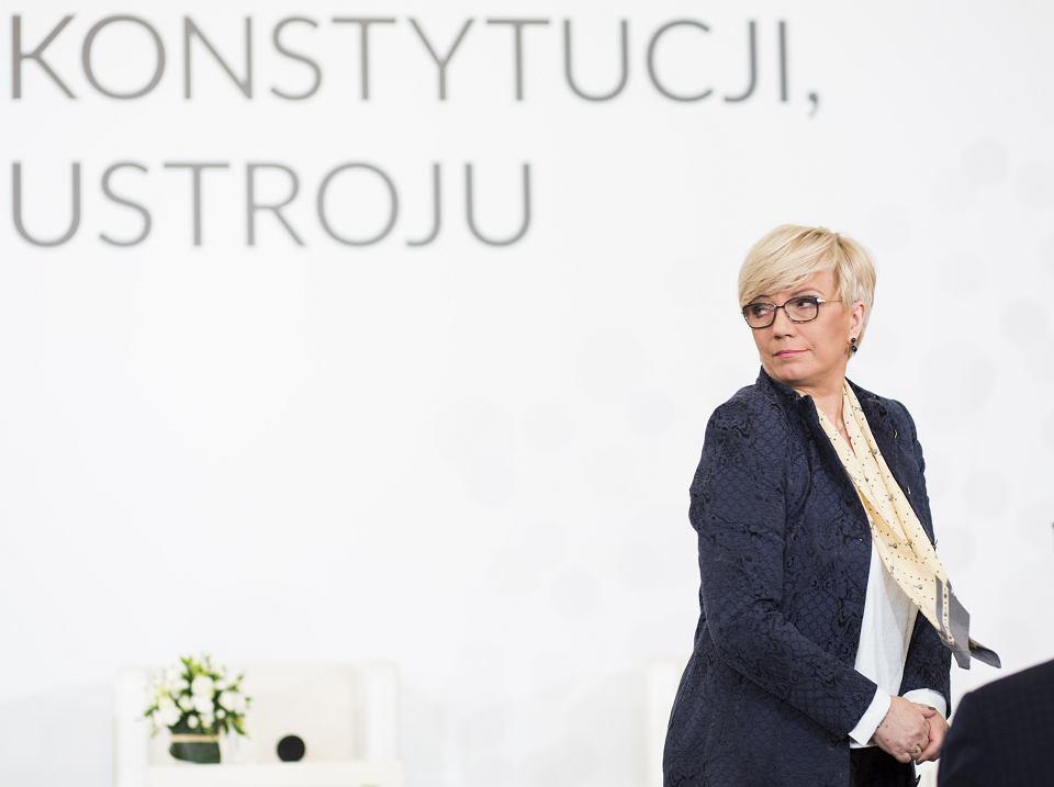 Julia Przyłębska, prezes Trybunału Konstytucyjnego (z nadania partii rządzącej) podczas konferencji 'Wspólnie o Konstytucji, wspólnie o ustroju państwa'. Warszawa, 11 grudnia 2017