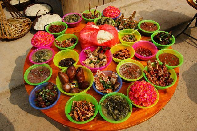 Umiejętne łączenie wielu składników, produkty naturalne i ciepłe: to główne zasady chińskiej kuchni pięciu przemian