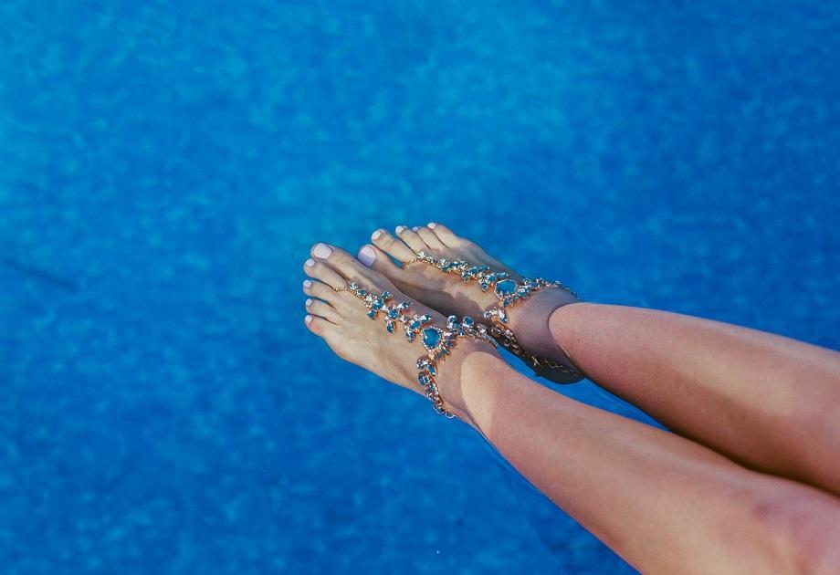 biżuteria na stopy Renee