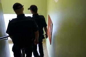 Matka szukała 4-letniej córki i poszła na komendę. Policjanci z Rudy Śląskiej wyprowadzili ją w kajdankach