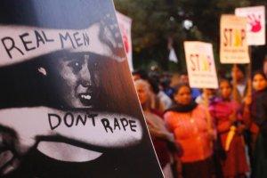 Indie: Gwa�t zbiorowy i morderstwo dw�ch nastolatek. Policja zignorowa�a zg�oszenie o zagini�ciu