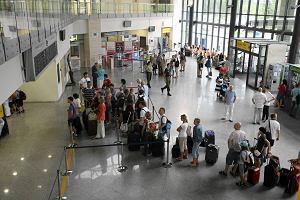 S�abe lokalne lotniska wisz� na dotacjach samorz�d�w