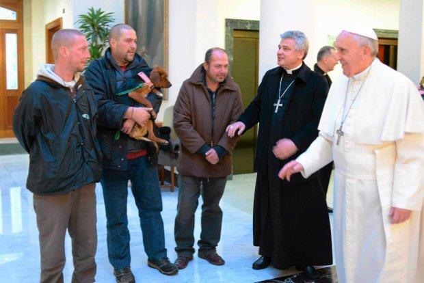 Arcybiskup z �odzi, kt�ry wyr�cza papie�a Franciszka