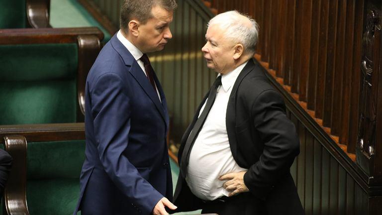 Jarosław Kaczyński z Mariuszem Błaszczakiem w Sejmie, wrzesień 2017