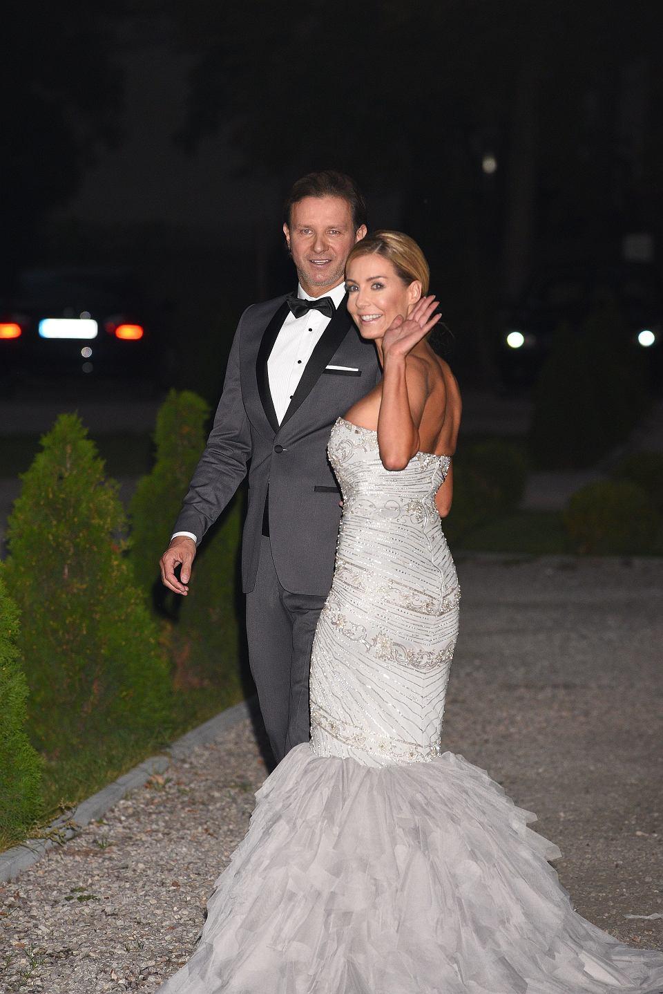 69d28e513c Małgorzata Rozenek w DRUGIEJ sukni ślubnej. Spójrzcie też na tort