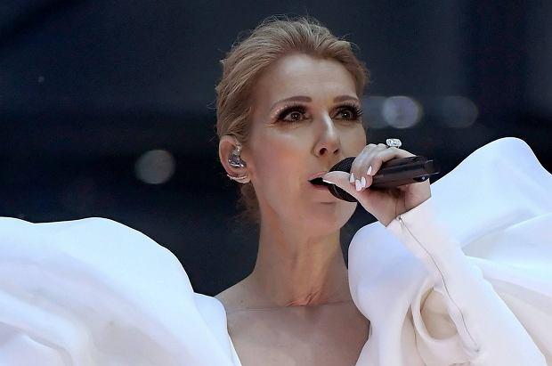 """Celine Dion wystąpiła na gali Billboard Music Awards. Jej wykonanie utworu """"My heart will go on"""" wzruszyło publiczność do łez."""