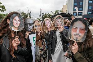 """Weekend w TVP: zamiast Opola - """"Bridget Jones"""". Na odwołaniu festiwalu TVP straci od kilkuset tysięcy do kilku milionów złotych. I chce odszkodowania"""