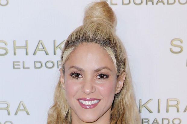 Shakira, która ostatnio raczej nie pokazywała się na ściankach, właśnie powraca. I to w jakim stylu! Piosenkarka błyszczała jak dawniej! Dosłownie!
