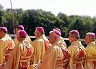 Taktyczny unik biskupów ws. ekshumacji. Ale jest w nim coś optymistycznego