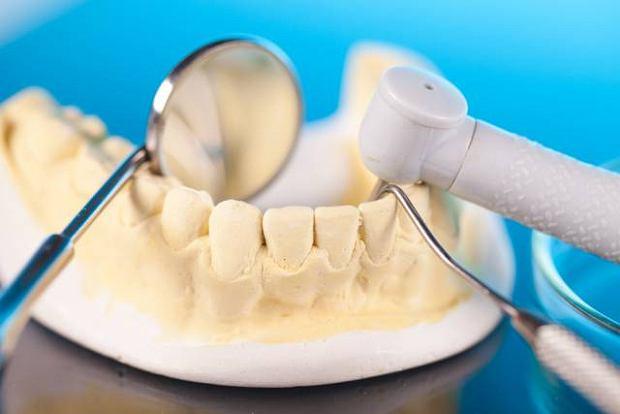 Jakich materia��w u�ywa si� w protetyce stomatologicznej?