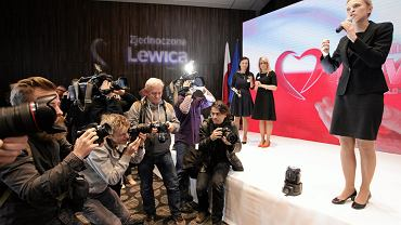 Barbara Nowacka, od tygodnia na czele Zjednoczonej Lewicy, podczas dzisiejszej konwencji wyborczej na warszawskim Okęciu