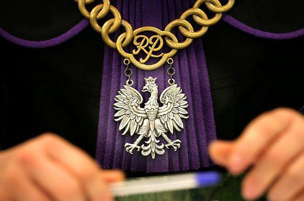 """Radny skazany za """"Raz sierpem, raz m�otem czerwon� ho�ot�"""". PiS broni kolegi"""