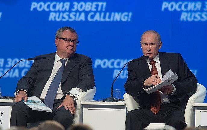 Szef państwowego banku VTB Andriej Kostin i Władimir Putin