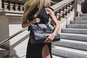 Wyprzedaż trwa! Zegarki, buty i torebki od Versace teraz na wyciągnięcie ręki