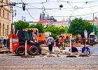 Czeski rząd chce podwyższyć wynagrodzenia Czechom. Utrudniają mu to Ukraińcy z Polski