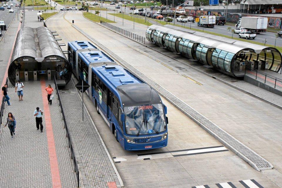 63c910e0fb Wraca pomysł z metrobusami. Tym razem w stronę Sochaczewa