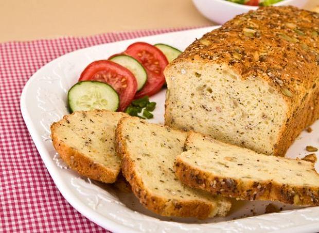 Chleb bezglutenowy - kiedy należy włączyć go do diety?