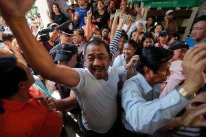 Napi�ta niedziela wyborcza w Bangkoku