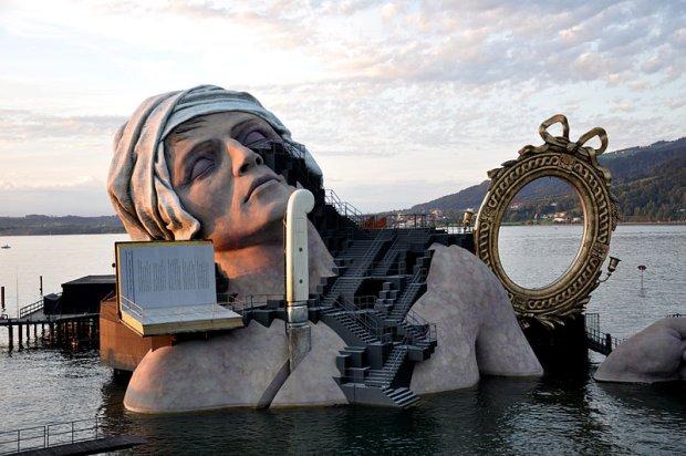 """Festiwal w Bregencji. """"Czarodziejski flet"""" w imponuj�cej scenografii na Jeziorze Bode�skim"""