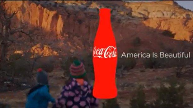 Reklama Coca-Coli wyświetlana podczas Super Bowl