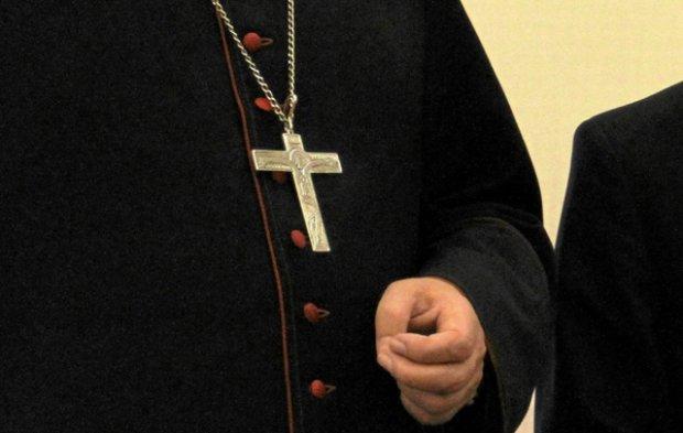 Kard. Nycz i abp Go��biewski nie wiedzieli o molestowaniu przez ksi�dza [SPRAWA MARCINA K.]