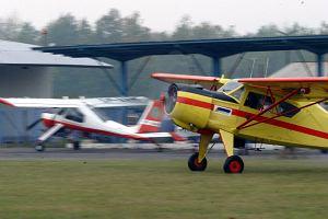 Samolot akrobacyjny rozbił się pod Częstochową. Dwie osoby nie żyją
