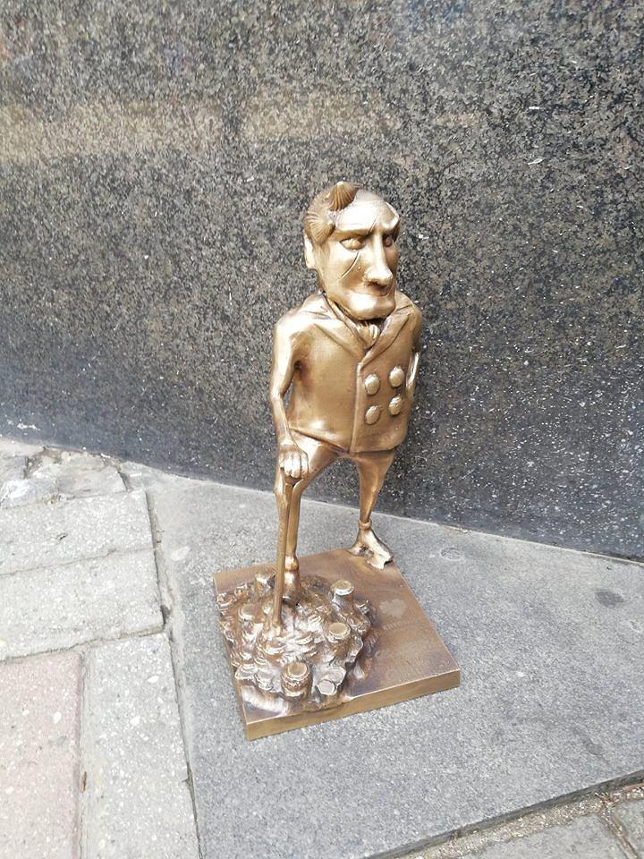 Ustawiona we wtorek na Szlaku Ślonski Godki figurka Gelda została skradziona z katowickiego rynku już w nocy z środy na czwartek.
