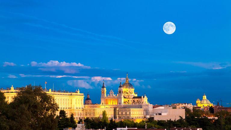 Madryt Hiszpania - Katedra Almudena i Pałac Królewski