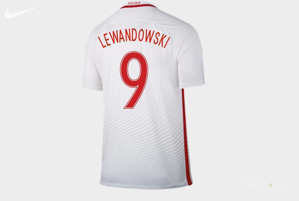 2e7b8cd774ce MŚ 2018. Tak będą wyglądać koszulki reprezentacji Polski  Nawałka ...