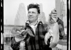 Sprzedawca homarów z gigantycznym okazem na targu rybnym w Fulton, maj-czerwiec 1943 r.