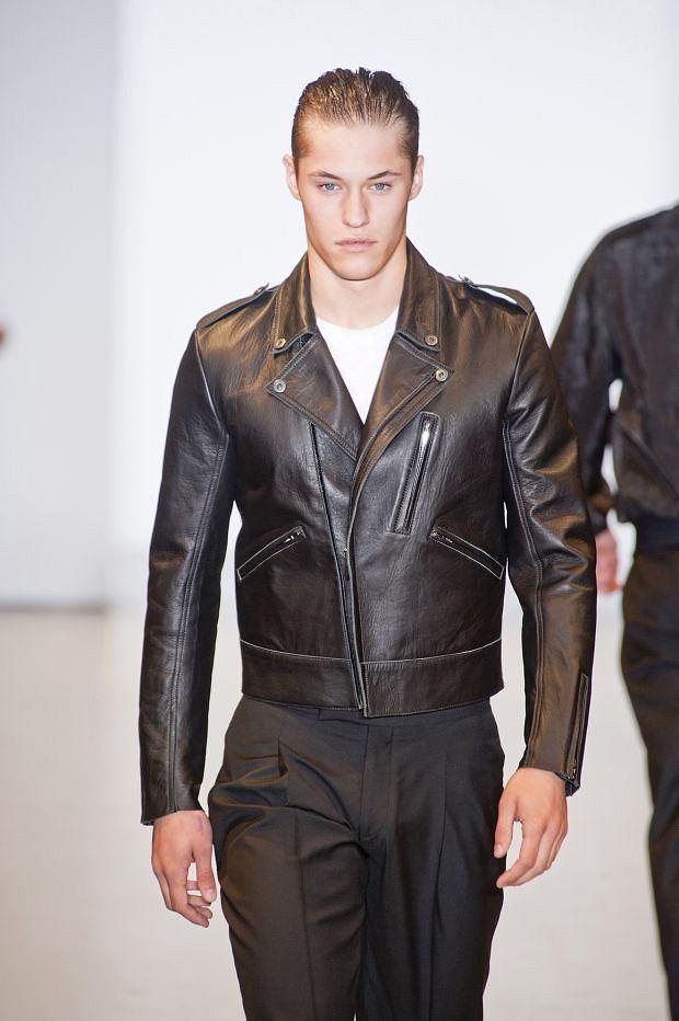 Pokaz kolekcji marki Calvin Klein, moda męska, kurtki