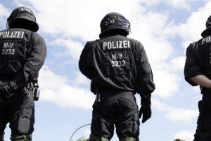 Niemcy. Paszporty zmar�ych wykorzystywali do przemytu ludzi. Nie wiadomo, czy u�ywali ich terrory�ci