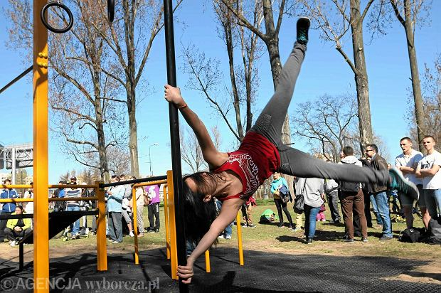 Street workout Z15711982Q,W-sobote-na-Bemowie-zostal-otwarty-street-workout-