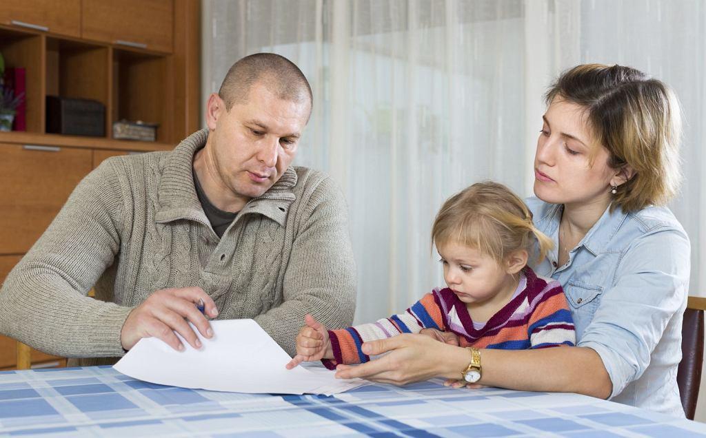 Jak większość tego typu świadczeń, zasiłek rodzinny jest uzależniony od dochodów