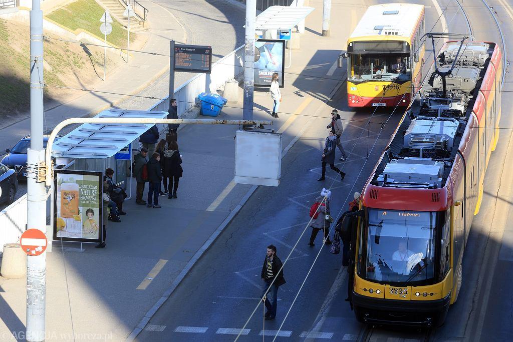 Utrudnienia w ruchu i zmiany w komunikacji miejskiej
