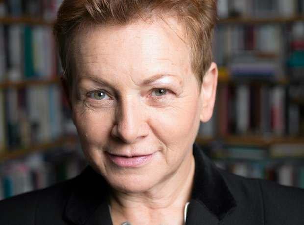 Prof. Monika P�atek, karnistka