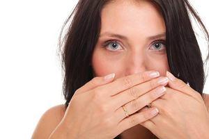 Zapalenie jamy ustnej: przyczyny, objawy, leczenie