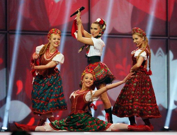 """Najpopularniejszy polski duet, Donatan i Cleo, opublikował klip do nowego singla z płyty """"Hiper/Chimera"""". Premiera krążka zapowiedziana została na 7 listopada."""