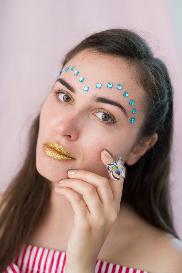 Wybrały najciekawsze aktualne trendy w makijażu i fryzurach jesień - zima 2017. Umalowały się dla nas we własnej łazience, własnymi kosmetykami