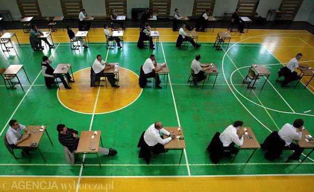 Egzamin zawodowy 2018. Tegoroczni absolwenci zawodówek przystąpią do egzaminu zawodowego w nowej formule