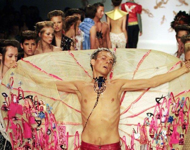 Arkadius zamyka swój pokaz w Londynie, wrzesień 2001