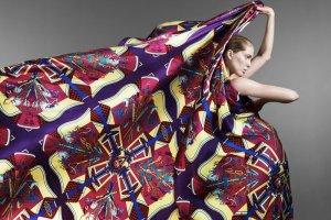 Jak zawi�za� apaszk� i chust�? 12 modnych pomys��w