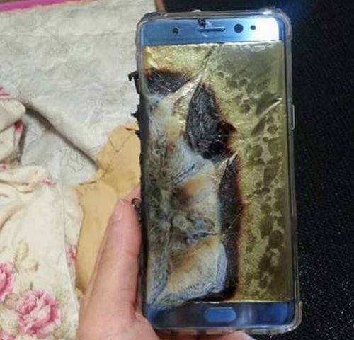 Wed & # x142; ug & # x142; a & #  x15B, owner of the Galaxy Note 7 was & #  x142; damaged by exploding & # x105; cy  battery