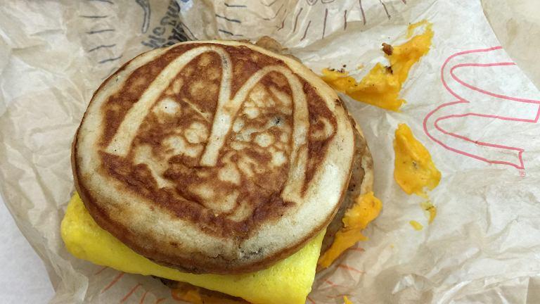 Śniadaniowa kanapka McDonald's
